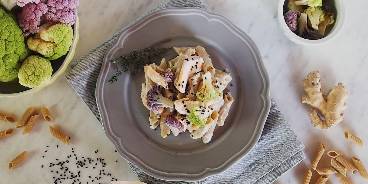 Penne High Protein, salsa di cavolfiore e salmone